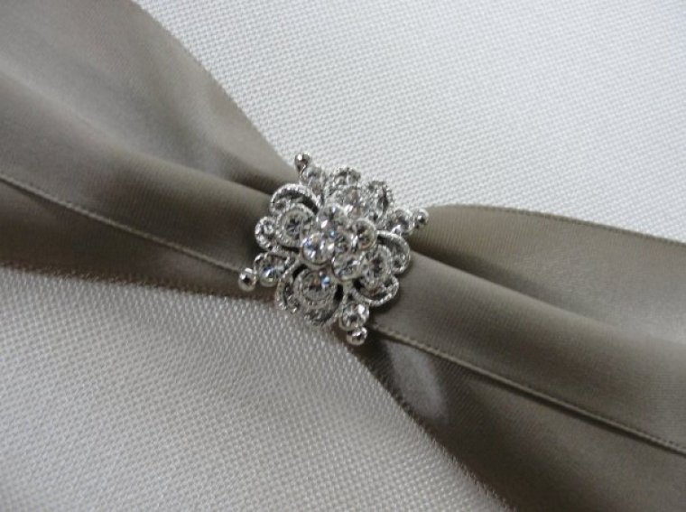 http://magnacartainvitations.files.wordpress.com/2012/08/rhinestone.jpg?resize=760%2C567